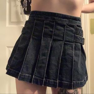 Vintage guess denim pleated skirt